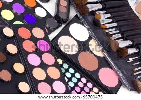 Make-up tools, closed-up