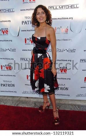 "MALIBU, CA - AUGUST 05: Lisa Edelstein at ""Bow Wow Ciao"" to Benefit Much Love Animal Rescue on August 05, 2006 at John Paul and Eloise Dejoria Estate in Malibu, CA. - stock photo"