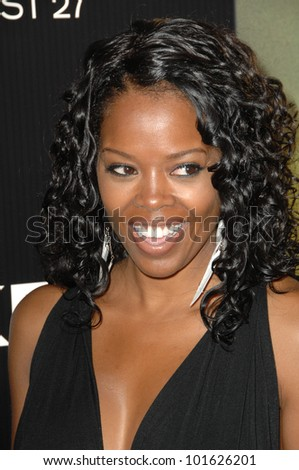 "Malinda Williams at the ""Takers"" World Premiere, Arclight Cinerama Dome, Hollywood, CA. 08-04-10"