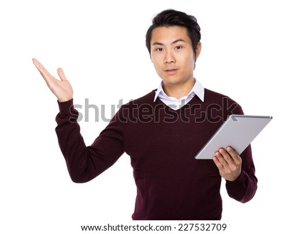 Man with tablet and hand show ith balnk sign