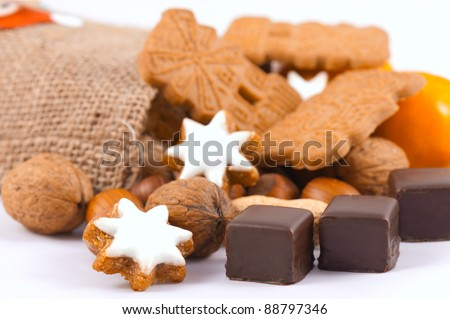 Mandarins, nuts and christmas cookies