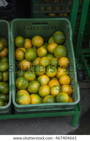 mandarins on the market