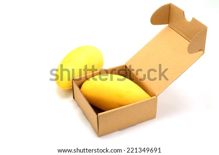 mango yellow flesh is box ready to export.
