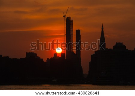 Manhattan sunset /Manhattanhenge 2016 May / Unfortunately 2016 May Manhattanhenge was incomplete due to cloudy weather but we could see beautiful sunset.