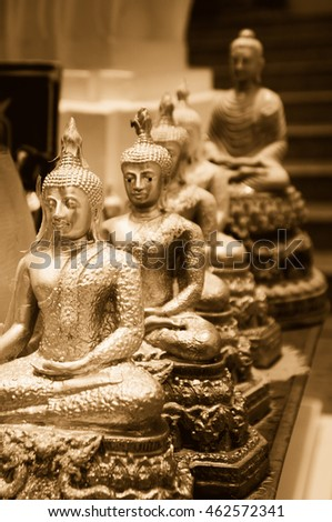 Many Buddha statue / Vintage look