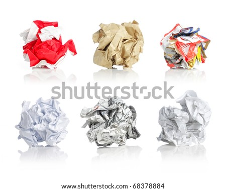 many kind of paper ball on the floor