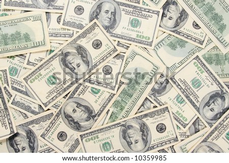 many of the green us 100 dollars bills