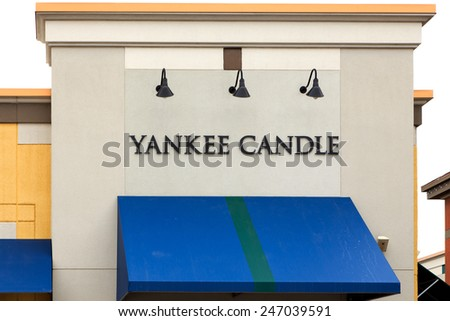 MAPLE GROVE, MN/USA - JANUARY 16, 2015:  Yankee Candle retail store exterior. The Yankee Candle Company is an American manufacturer and retailer of scented candles.