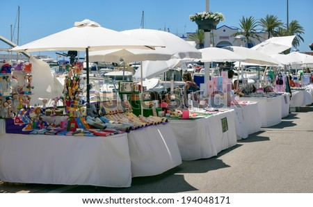 MARBELLA, ANDALUCIA/SPAIN - MAY 4 : Street market in Marbella Spain on May 4, 2014. Unidentified people. - stock photo