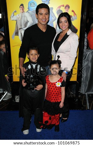 "Mario Lopez, girlfriend Courtney Mazza, Niece and Nephew at the ""Megamind"" Los Angeles Premiere, Chinese Theater, Hollywood, CA. 10-30-10"