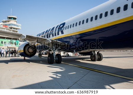 Ryanair stock images royalty free images vectors for Low cost marseille