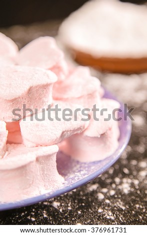 marshmallow in the form of hearts with icing sugar