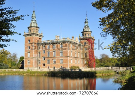 Steffen Hoejagers portef  lje hos Shutterstock Shutterstock Marsvinsholm is dating back to the early   th century  The present Renaissance Castle is built