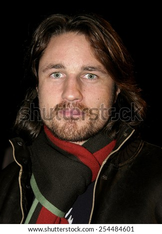 Martin Henderson attends the Global Green Pre-Oscar Party held at the Day After Club in Hollywood, California on February 24, 2005.  - stock photo
