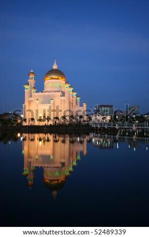 Masjid Omar 'Ali Saifuddien Mosque at dusk. Left orientation. - stock photo