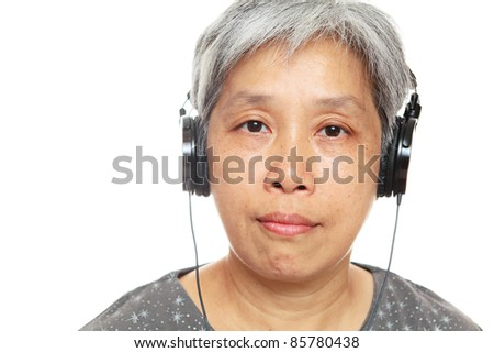 mature woman listen music