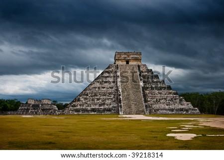 Mayan pyramid of Kukulcan El Castillo. Chichen-Itza, Mexico - stock photo
