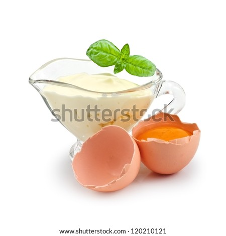 mayonnaise in bowl with broken egg