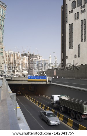 MECCA,S.ARABIA-JUNE 8:General view of local transportation road in Makkah on June 8, 2013.The Saudi government has hired external firm to promote its multi-billion-dollar public transportation project