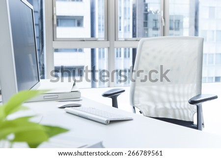 Medical history with brain chart and pen on desk - stock photo