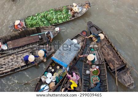 Mekong floating matket