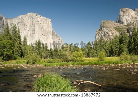 Merced River at Valley View - Yosemite National Park, California