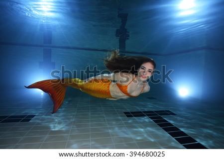 Woman Underwater Pool Stock Photo 579989098 Shutterstock