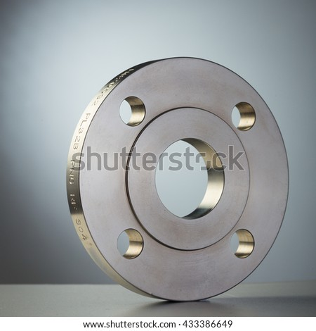 Metal flange ring