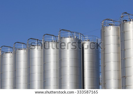 Metallic silos in the industry
