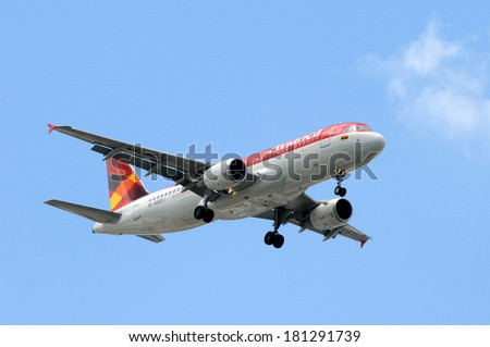 MIAMI, FL - SEPTEMBER 6: Avianca passenger jet airplane arrives in Miami on September 6, 2008 after a flight from Bogota. Avianca connect Miami with many Colombian cities. - stock photo