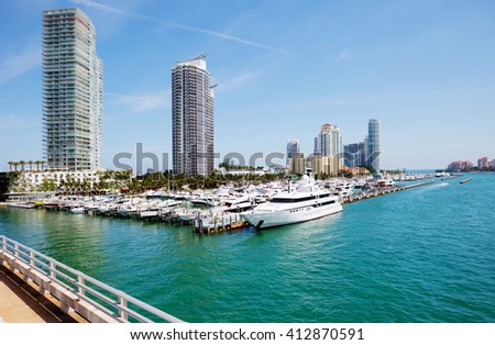 Miami. Promenade. Embankment - the card of Miami, known to every visitor to this delightful city.