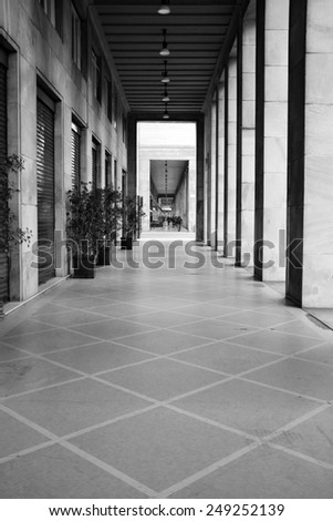 MILAN - JANUARY 28: View of Milan gallery with people in black and White on January 28, 2015 in Milan, Italy.