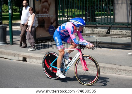 MILANO, ITALY - MAY 29: Cyclist Daniele Righi competes during the 21th Stage of 2011 Giro d'Italia, an individual time trial stage, on May 29, 2011 in Milano, Italy