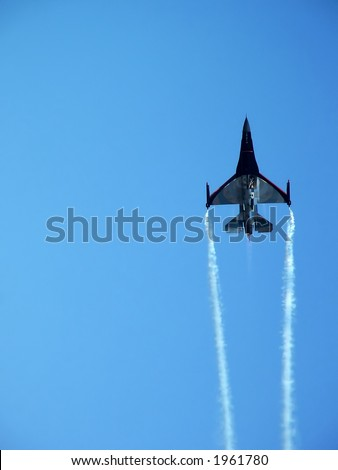 Military aircraft from around the world - F16 Fighting Falcon at full throttle