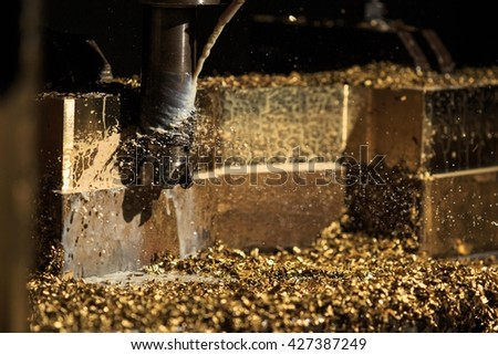 Milling process cutting bronze material (Stop motion cooling and chip scarp remove on cutting tool)