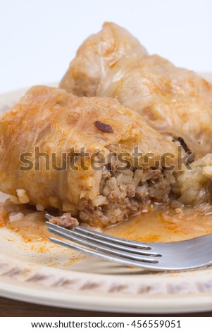Minced meat with rice stuffed in cabbage