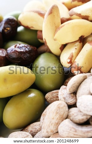 mixed nuts and olives