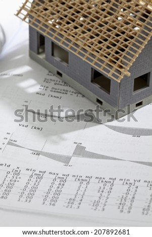 Model house with structural analysis