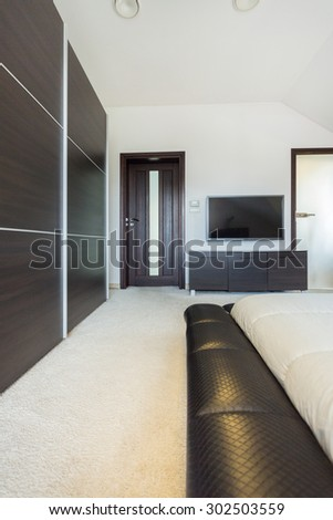 Modern and spacious room in luxury residence