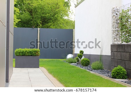 Modern Garden House Stock Photo (Safe to Use) 678157174 - Shutterstock
