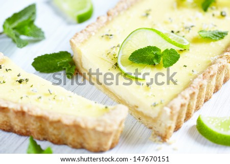Mojito pie with lime, mint and rum