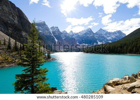 Moraine Lake in Autumn, Banff National Park, Canadian Rockies