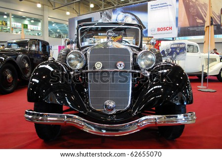 MOSCOW - OCT 07: Mercedes-Benz LANDAU OLD 1935 The Moscow Exhibition of technical antiques 2010 on October 07, 2010 in Moscow, Russia.