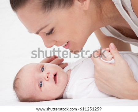 mother learn to turn over her baby