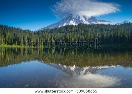 Mount Rainier Reflection at sunrise on Reflection Lake