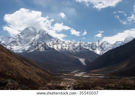 Mountain valley, Everest trail, Nepal - stock photo