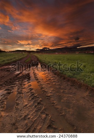 Mud road to the sunshine