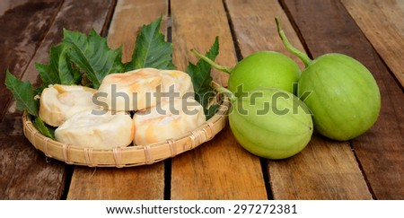 mung bean pia cake on wooden board