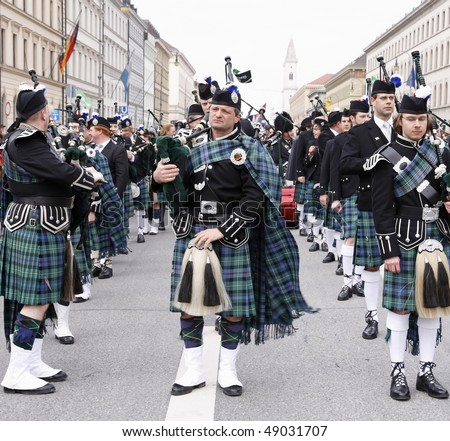 MUNICH - MARCH 14: Irish orchestra celebrates St. Patrick's Day on March 14, 2010 in Munich, Germany.