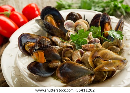 mussel and clam soup on bowl